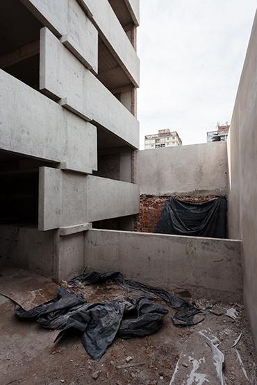 017_javier-agustin-rojas_un-edificio-campodonico_IMG_2860