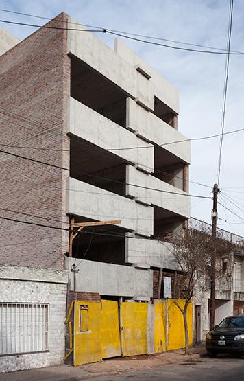 004_javier-agustin-rojas_un-edificio-campodonico_IMG_2824