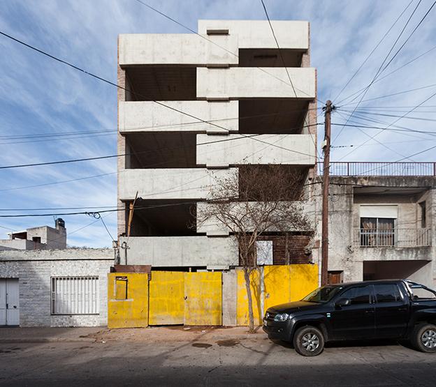 009_javier-agustin-rojas_un-edificio-campodonico_IMG_2835+36-copia
