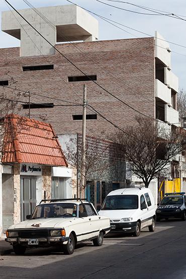 001_javier-agustin-rojas_un-edificio-campodonico_IMG_2902